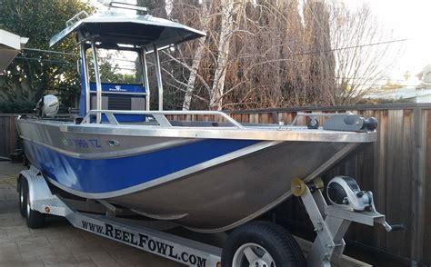 skiff boat console 24 5 aluminum skiff t top center console bloodydecks