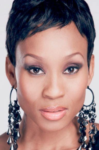 Kgomotso Christopher Latest Hairdo | kgomotso christopher short hairstyles