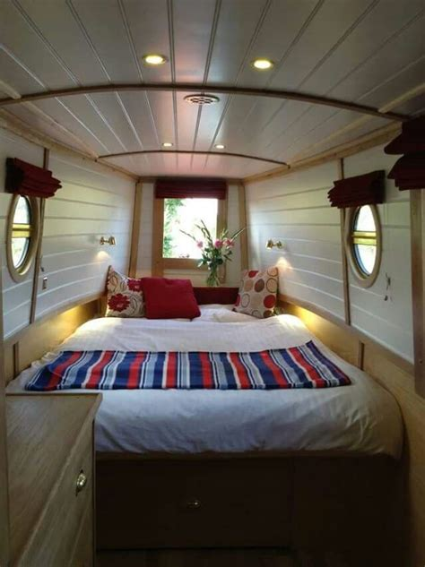 Cool Boat Interiors by Best 20 Boat Interior Ideas On