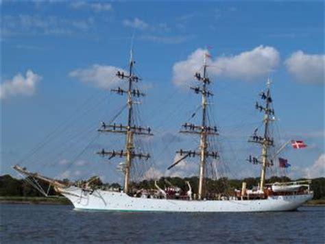zeilboot oostende foto driemaster mercator zeilschip zeilboot schip