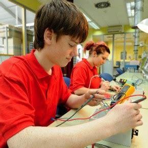 Anschreiben Ausbildung Elektroniker Fur Gerate Und Systeme Ausbildung Elektroniker In F 252 R Ger 228 Te Und Systeme Mkenya Ujerumani