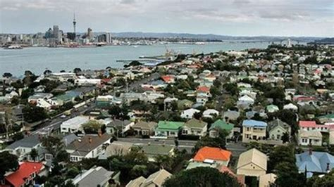 is it hard to buy a house tipping point nothing less than 500k for a home in auckland