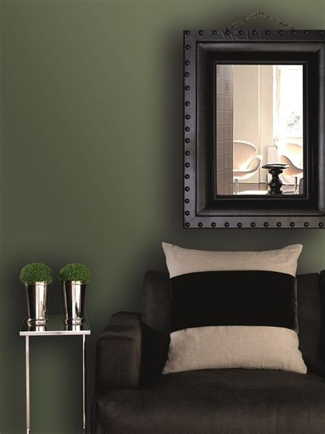 dark green paint bedroom 25 best ideas about khaki bedroom on pinterest olive bedroom olive green decor and