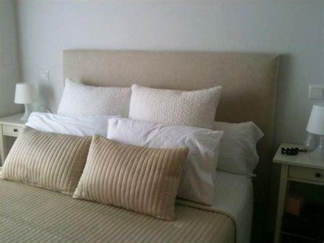 hacer cabecero de cama acolchado diy crea tu propio cabecero acolchado las telas de tu