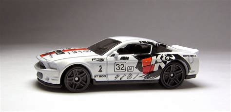 Hotwheels 10 Ford Shelby Gt500 White 2015 the lamley look the logo cars of wheels batch b the dodge viper srt10 acr