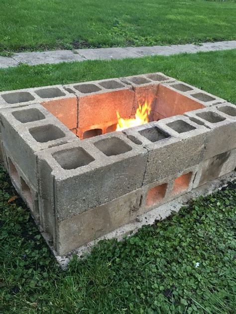 Block Firepit The 25 Best Ideas About Cinder Block Pit On Cinder Block Bench Cinder Block
