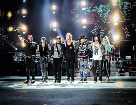 REVIEW   Guns N' Roses Live at Soldier Field   Chicago