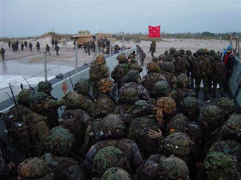 infantera al ataque 8492567260 infantera de marina espaola