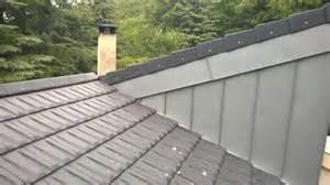 pose de couverture m 233 tallique en zinc pour toiture faible