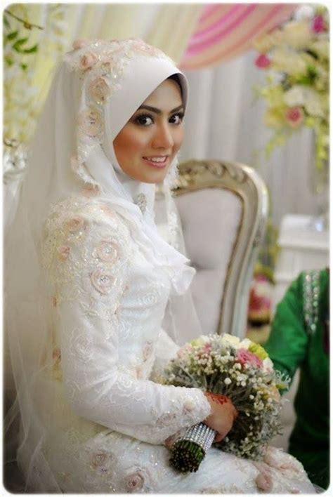 Kerudung Langsungan 14 inspirasi gaun pengantin syar i berwarna putih til