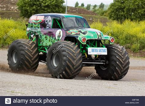 who drives grave digger monster truck 100 grave digger monster truck driver the monster