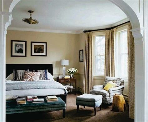 bay window bedroom lovely bay window in bedroom by tiffany master bedroom pinterest