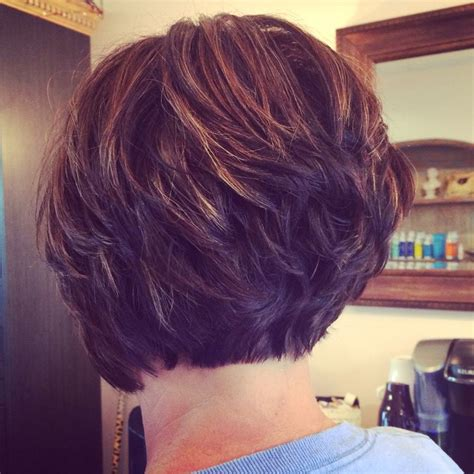 bobs with lots of layers best 25 short hair with layers ideas only on pinterest