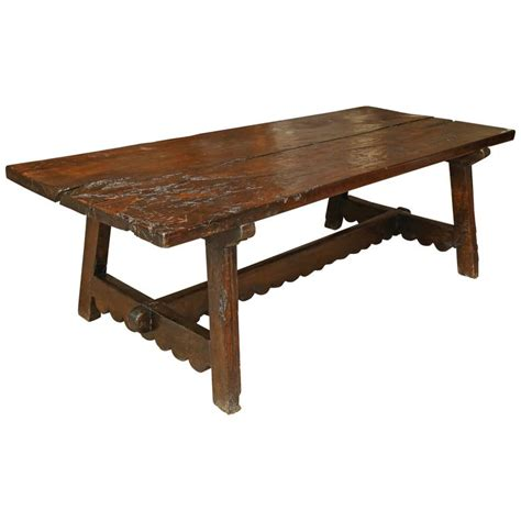 18th century walnut dining table for sale at 1stdibs