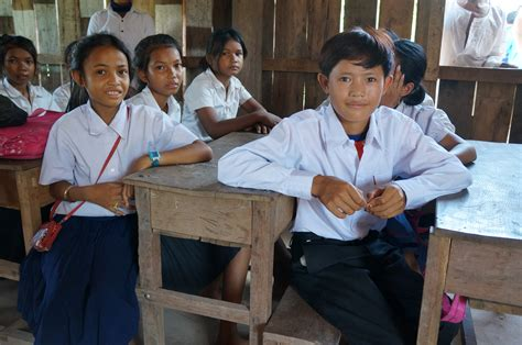 a volunteer brings education to remote community in cambodia unicef connect