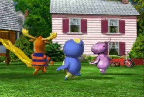 Backyardigans Backyard Image The Backyardigans Backyard In The 2002 Animated