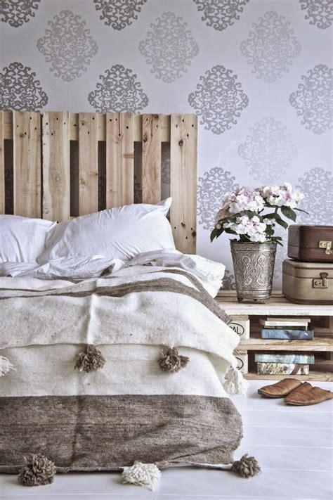 vintage wallpaper for bedroom bedroom inspirations vintage wallpaper