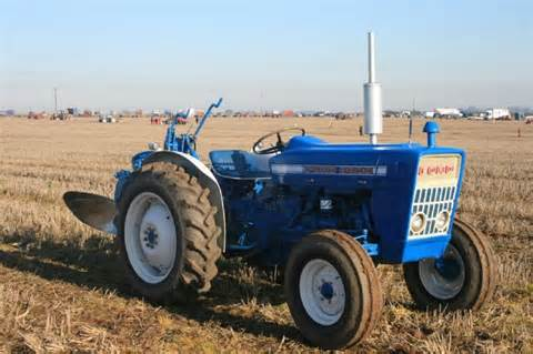 tractor photos ford 3000