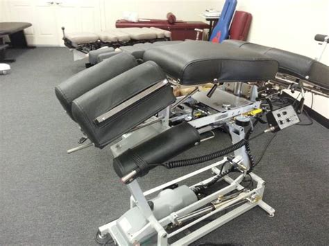 lloyd 402 flexion elevation table lloyd mfg 402 flexion chiropractic table