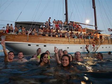 carolina beach party boat boat party photo de lazy pirate party boat malta sliema