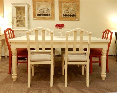 juego de comedor  mesa de patas torneadas  sillas