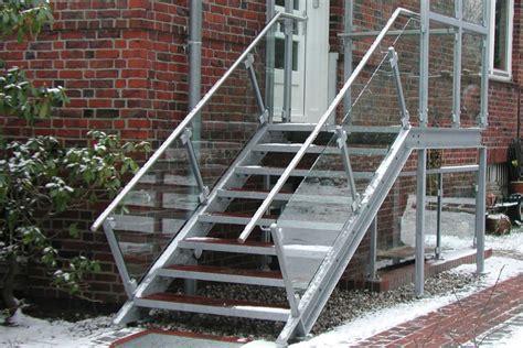 edelstahlgeländer treppe innen glasgel 228 nder treppe treppenstufen aus holz fur innen
