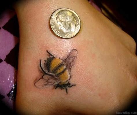 36 cool bee tattoo on hand