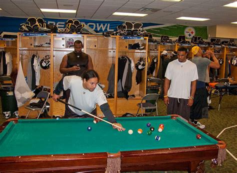 ping locker room steelers vets tell youngsters no ping pong for you total steelers