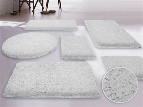 Large White Bathroom Rugs Best 25 Large Bathroom Rugs Ideas On Pinterest Bathroom Rugs Country Grey Bathrooms And Best