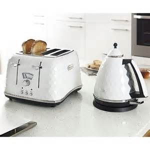 Delongi Kettle And Toaster Delonghi Brilliante Kettle Amp Toaster In Kitchen
