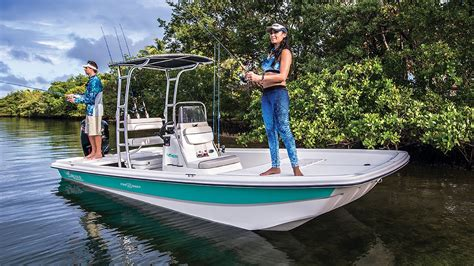 mako boats shallow water mako boats pro skiff 19 cc inshore fishing boat youtube