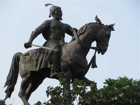 file shivaji statue mumbai jpg   wikimedia commons