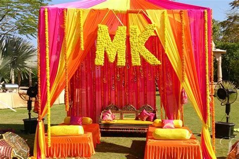 Stunning Wedding Decorations: 8 Ideas to Die For!