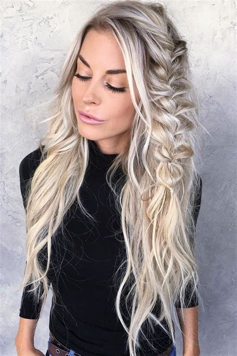 blonde hair on seniors 25 best ideas about senior pictures hairstyles on