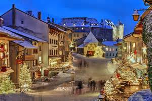 Best Small Towns In America To Visit by America S 16 Best Small Towns For Christmas Traveltune Com