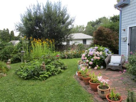 the backyard picture of gardenview bed and breakfast