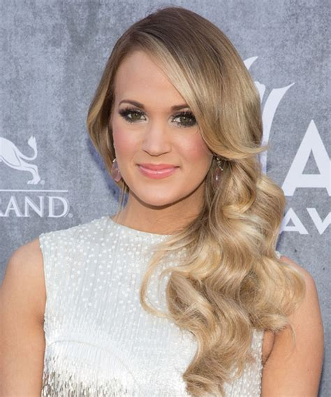 carrie underwood hairstyles hairstyles weekly hottest american idol carrie underwood with her medium hairstyle