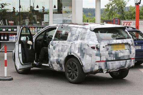 land rover discovery 4 2015 spyshots 2015 land rover discovery sport interior