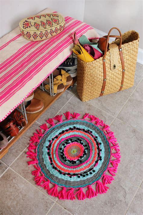Woven Rug Diy by Woven Circle Mat Diy A Beautiful Mess
