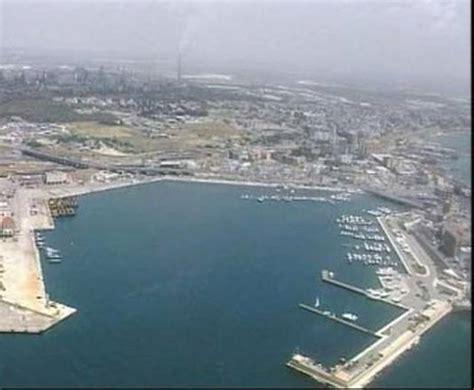 porto taranto porti taranto accolta sospensiva italcave concessioni