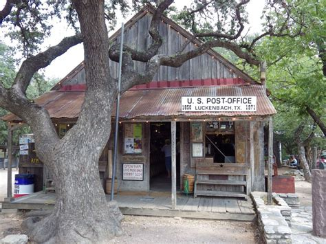 a guide to bluebonnets and barbecue in
