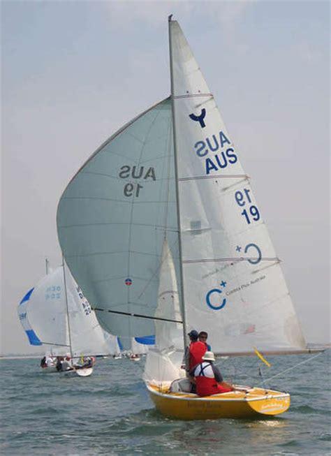 ynling zeilboot yngling classes equipment world sailing