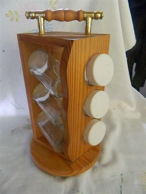 especiero en especiero giratorio en madera 6 frascos especieros y