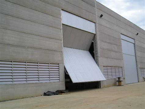 porta basculante porta basculante cobmetal balanceada portas basculantes