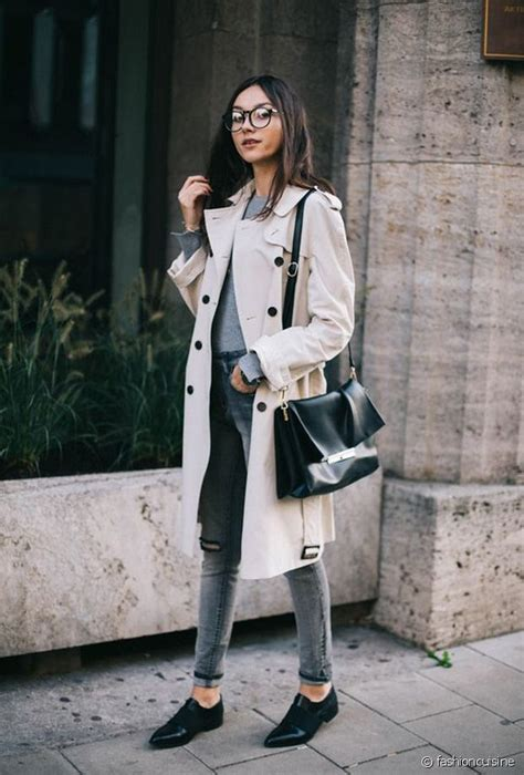 Style Ideas How To Work The Metallic Trench This Second City Style Fashion by Quelles Chaussures Porter Avec Un Trench Coat