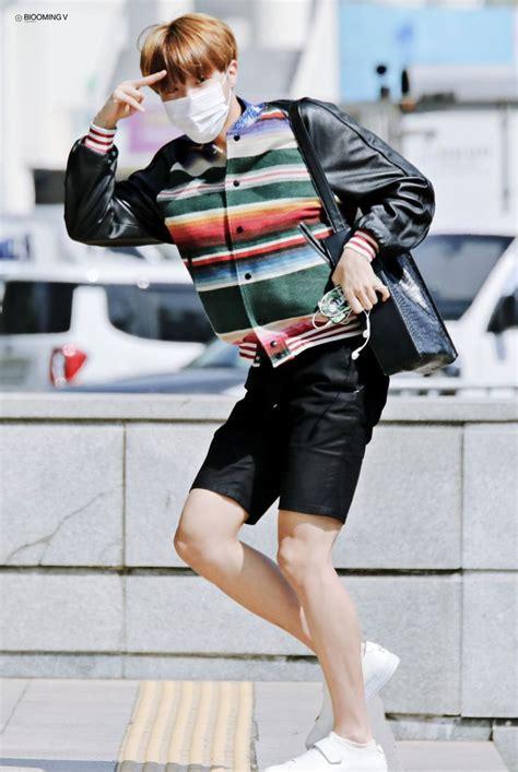 Fashion Stylist Andre J On Lxtv by Linh Sideblog German Gifs Taehyung Jimin Vmin