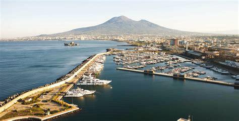 porto di castellammare a castellammare il nuovo porto turistico per yacht da sogno