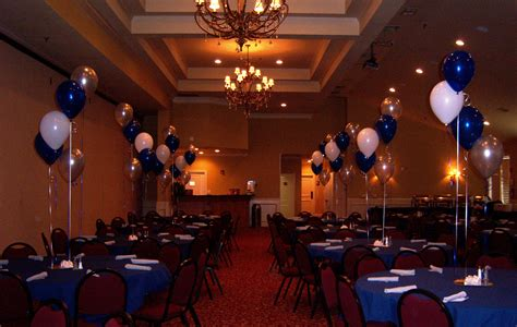 banquet table decorations blue white also golden balloons on the middle of