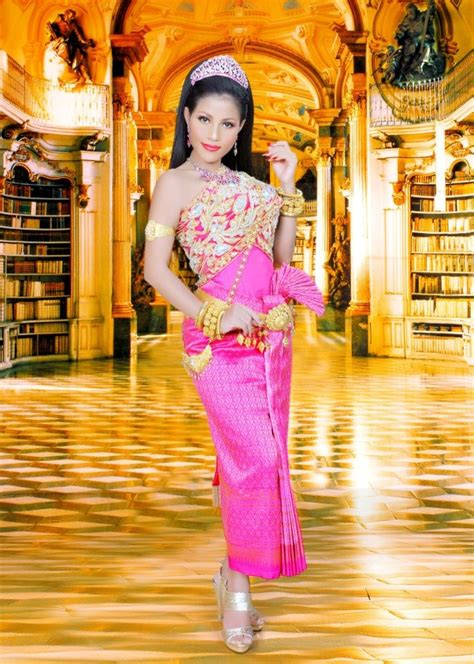 Khmer Wedding Backdrop by 41 Best Cambodian Traditional Dresses Images On