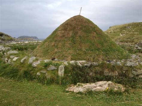 A Place Age Rating Magical Place In A Phantasmic Scenery Review Of Bosta Bostadh Iron Age House Great Bernera